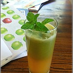 green vegetable juice by yaeli shochat