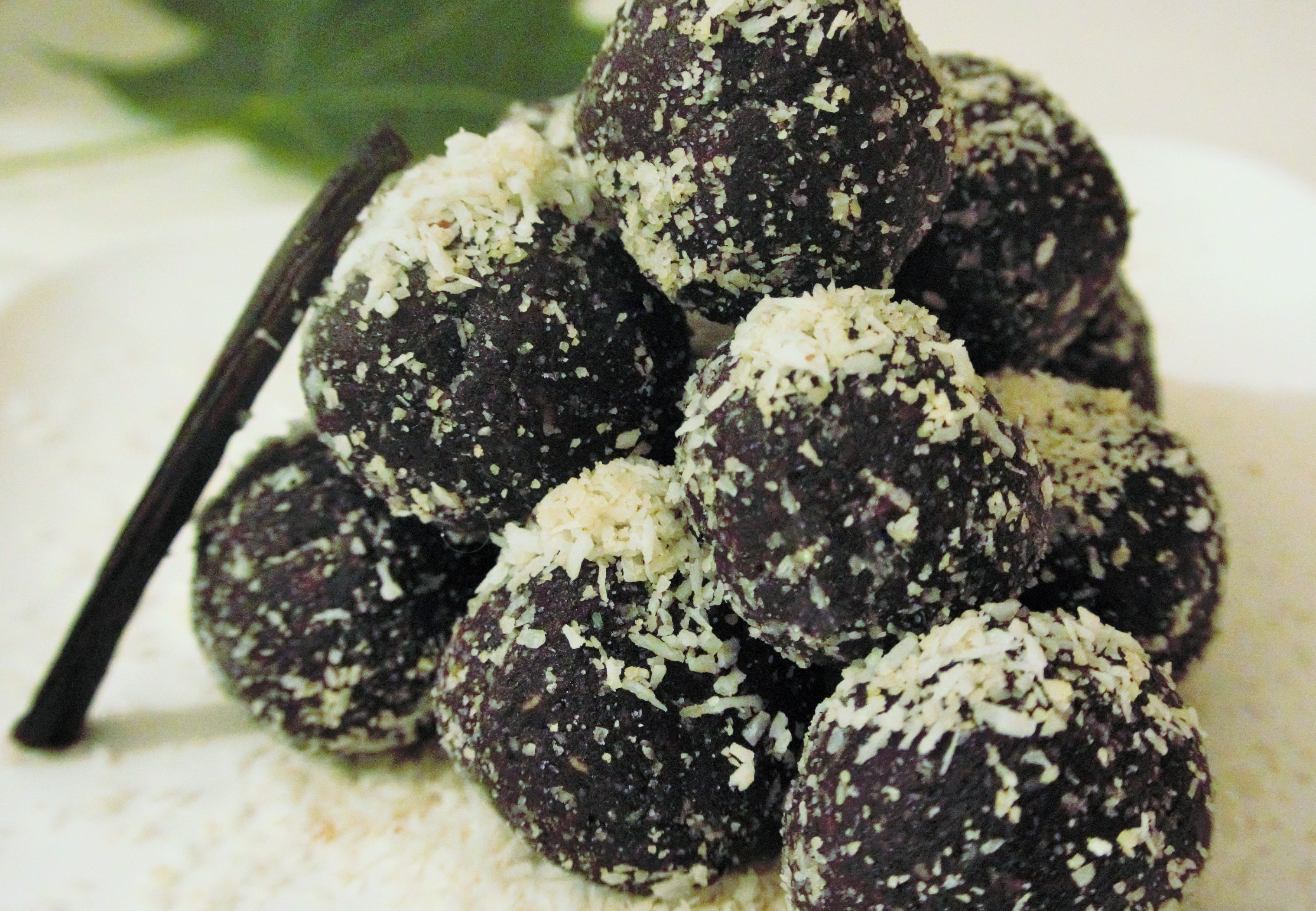 Snowy Date Truffles - Raw Vegan Gluten Free Recipe by Vegan Slaughterer Yaeli Shochat
